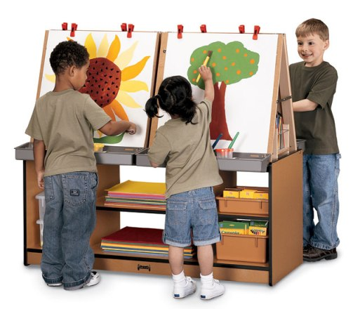 SPROUTZ� 4 Station Easel