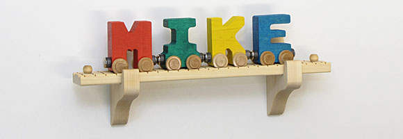 NameTrain Wall Mount Set w/4 Cars